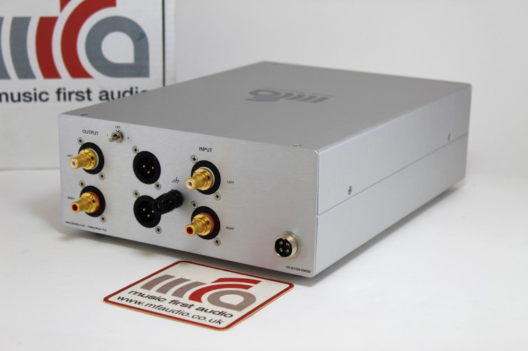 MM_Phono_Amp_632_rear